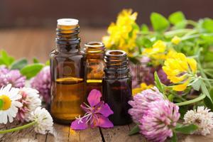 29951668-huiles-essentielles-et-de-fleurs-médicaux-herbes